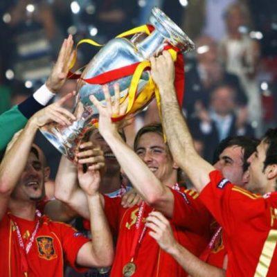 Διαβάστε για το Euro 2008. Διαβάστε για την μεγάλη ομάδα της εθνικής Ισπανίας με Τσάβι, Ινιέστα, Βίγια, Φερνάντο Τόρες κ.α.