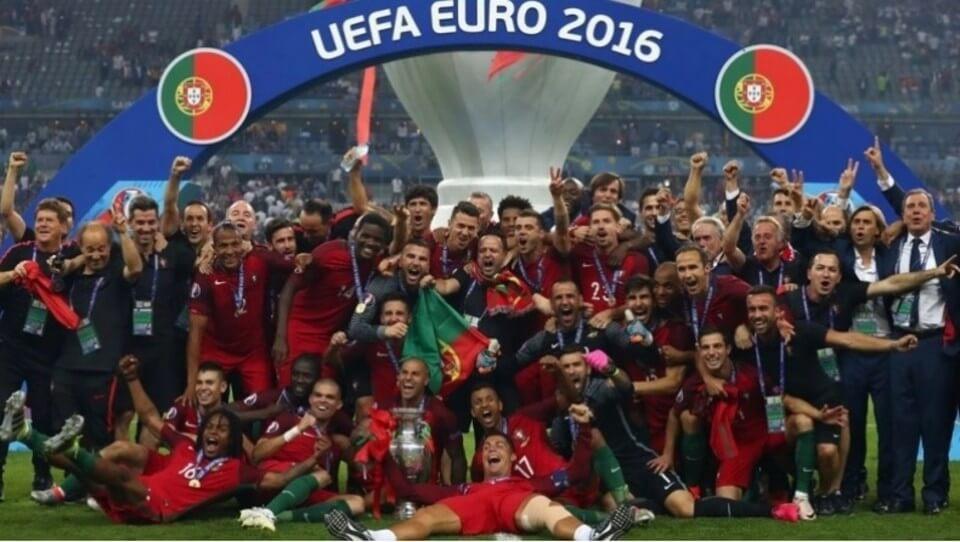 Διαβάστε για το Euro 2016. Διαβάστε για την Πορτογαλία του Κριστιάνο Ρονάλντο και του Φερνάντο Σάντος που κατέκτησε το πρώτο της Euro.