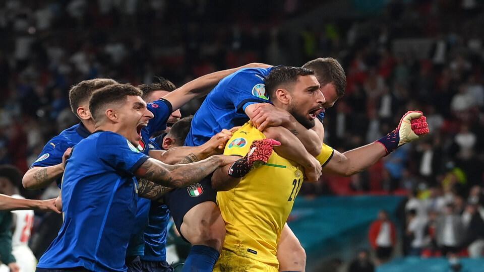 Αγγλία - Ιταλία 1-1 (2-3 πέναλτι). It's coming.. Rome!