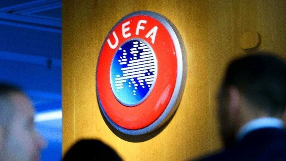Η UEFA στο πλευρό των Άγγλων παικτών